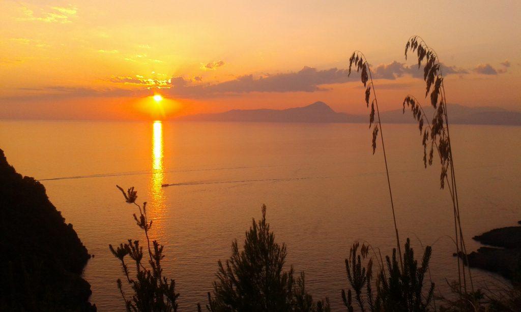 puesta del sol maratea praia a mare