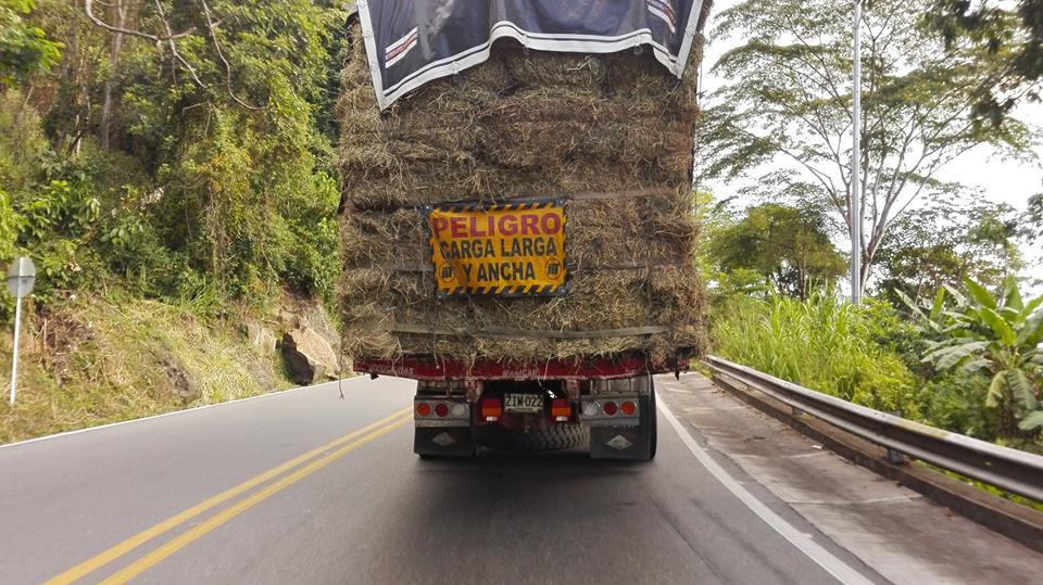 Mochileros-Colombia-Latino-America-road-to-Guaduas-Honda-Colombia