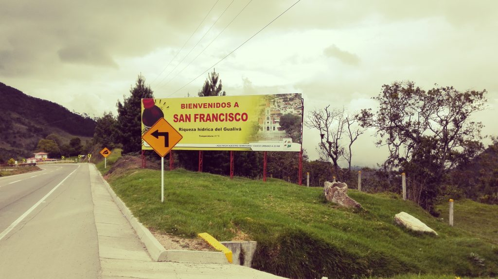 Viaje-en-Colombia-en-moto-San-Francisco-Cundinamarca