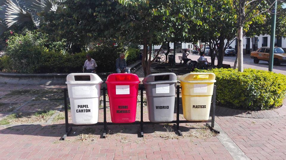 diferenciar-basura-Colombia-medio-ambiente-cuidar-naturaleza