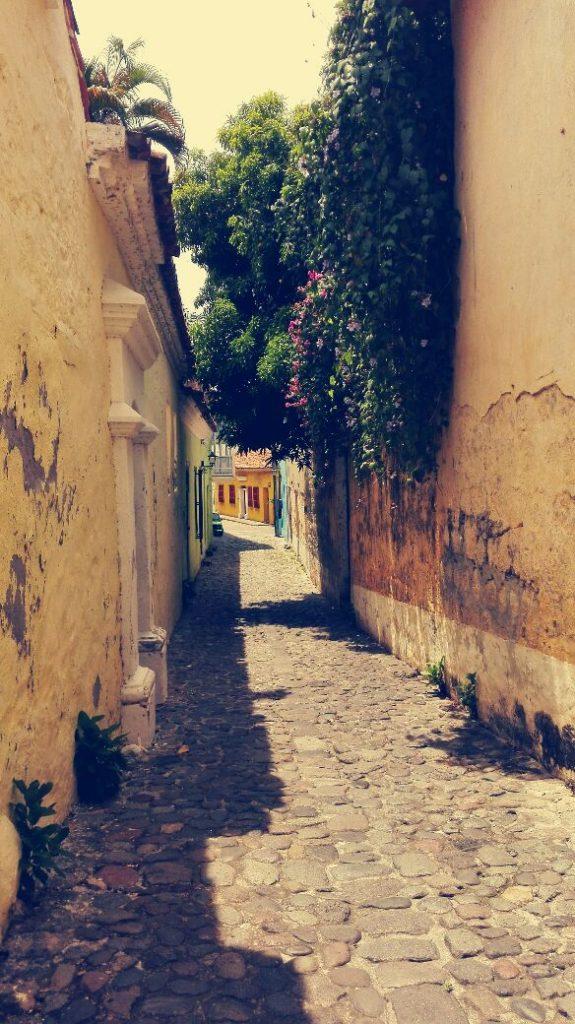 viajar-en-colombia-honda-calle-de-las-trampas.jpg